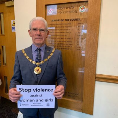 Mayor Supporting Stopping Domestic Violence - Click to open full size image