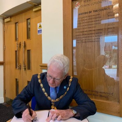 Mayor Signing Book Of Condolence - Click to open full size image