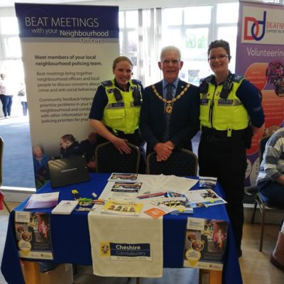 Mayor With Pscos At Dementia Action Day - Click to open full size image