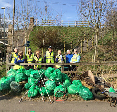Nantwich Litter Group At The River